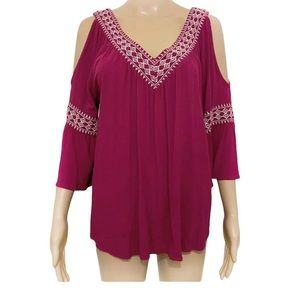 Simply Styled Cold Shoulder Embroidered Top